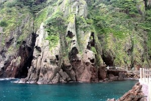 Beautiful scenery on the ocean-side trail from Dodong Village to Dodong Lighthouse on Ulleungdo.