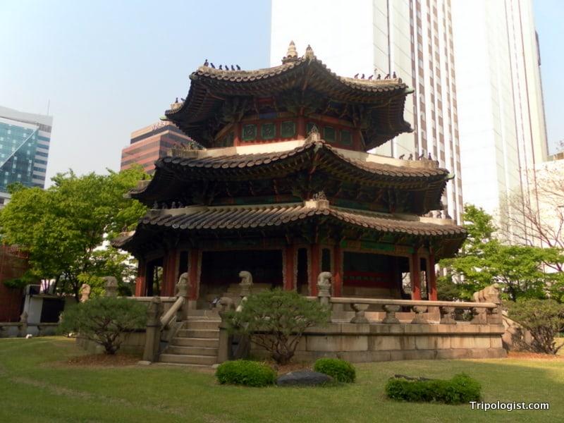 Wogudan, the Temple of Heaven, in downtown Seoul.