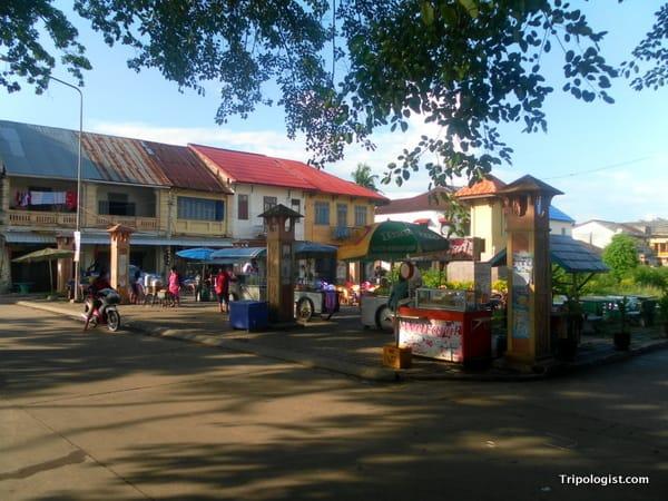 The beautiful architecture in Tha Khaek's town center.