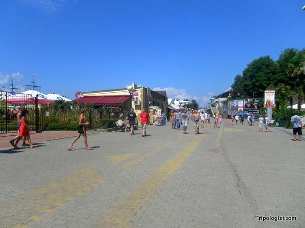 Looking down Sochi's boardwalk.